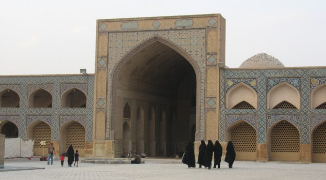 Jak hijab może ocalić kobiety Zachodu? Urywki z zadziwiającej wypowiedzi ajatollaha Khameneiego